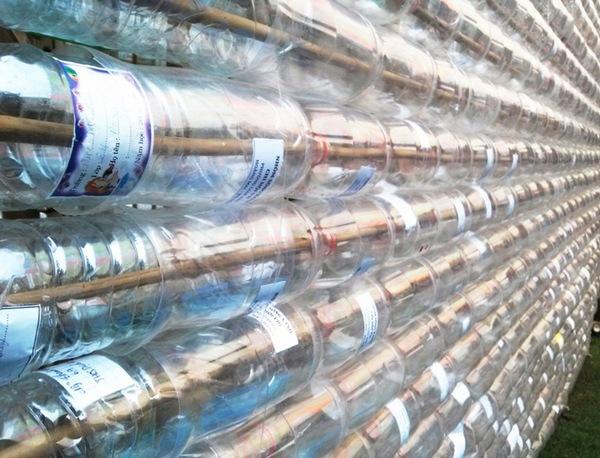 Теплица-беседка из пластиковых бутылок