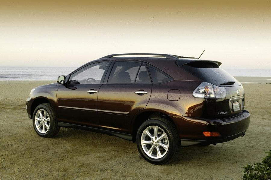 Lexus RX 350. Осчастливив за 10 лет своего существования около миллиона водителей, RX в 2009 году прирос новой модификацией кроссовера. Направленность на внутренний комфорт, не обошла стороной и безопасность, заработав автомобилю лишние баллы в покупательском рейтинге.