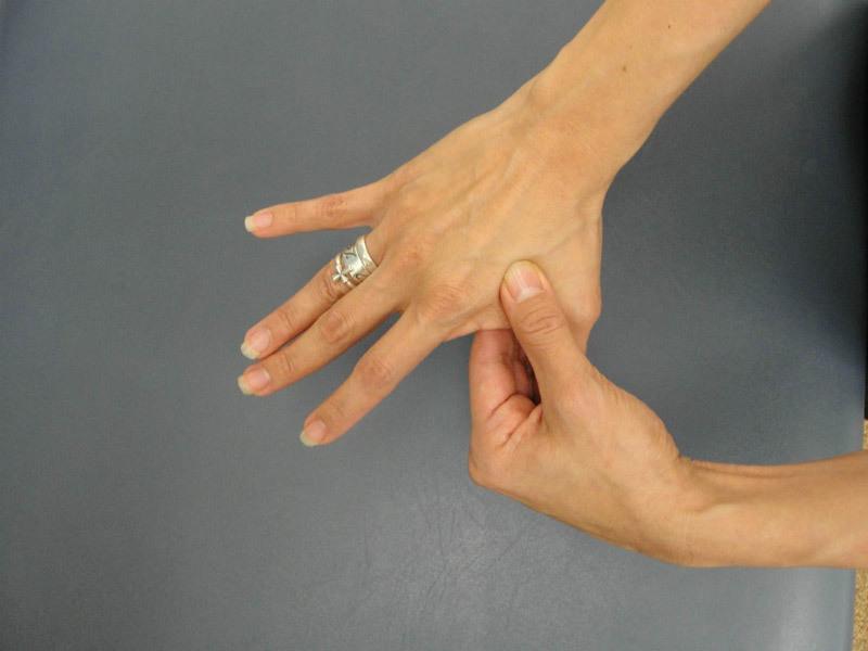 Массаж пальцев: избавляемся от головной боли, напряжения и стресса